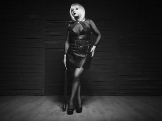 Voir le liveshow de  DECADENCE de Livejasmin - 29 ans - Wicked Mistress, Highly experienced in sissification, ... intoxication, tease & denial, orgasm ...