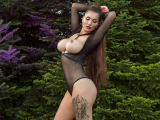 Watch BrunetteJessica Live On Cam