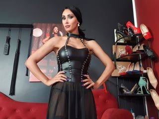Voir le liveshow de  Divadomme de Livejasmin - 34 ans - Im the One you look for , Mistress Alexya be smart  and im an elegant, special strong  woman w ...